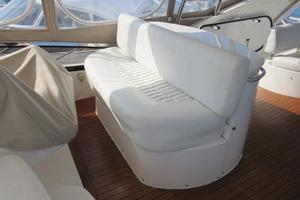 64' Sunseeker Manhattan 64 2003 F/B Helm Seat