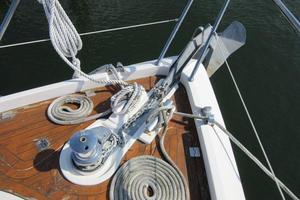 64' Sunseeker Manhattan 64 2003 Windlass