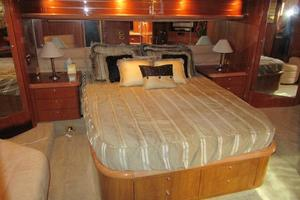 64' Sunseeker Manhattan 64 2003 Master Queen