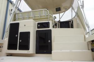 36' Delta Boat Company 36 Sfx 2006 Tackle center