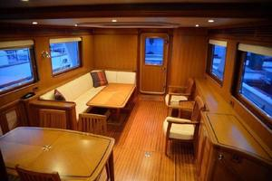 73' Selene 66 Flybridge 2009 Salon