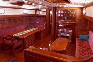 69' Formosa Horizon Ketch 1981 Salon