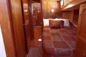 69' Formosa Horizon Ketch 1981 Port Cabin