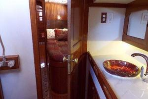 69' Formosa Horizon Ketch 1981 Port Cabin Head
