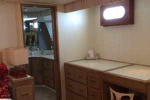 106' Broward Raised Pilothouse 1982 Master Desk