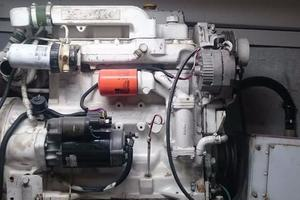 106' Broward Raised Pilothouse 1982 Engine Detail