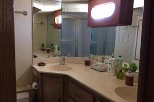 photo of Broward-Raised-Pilothouse-1982-ESPRIT-La-Paz,-Baja-California-Sur-Mexico-Guest-Bath-387302