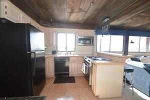 65' Sumerset Houseboat 1993 Galley