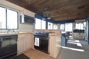 65' Sumerset Houseboat 1993 Galley & Salon