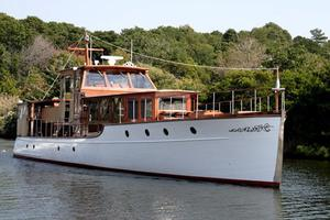 75' Custom 75 Commuter Yacht 1928 Bow
