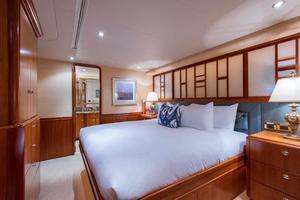 Westport-Tri-Deck-2003-Vision-Jupiter-Florida-United-States-VIP-Port-Guest-Stateroom-370655