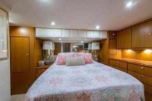 56' Ocean Yachts Super Sport Enclosed Bridge 2000 Master Stateroom