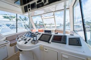 photo of Ocean-Yachts-Super-Sport-Enclosed-Bridge-2000-Stacked-Deck-Jupiter-Florida-United-States-Head-370593