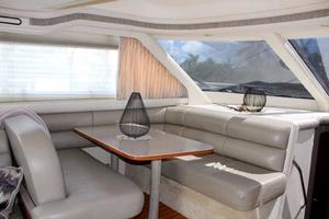 48' Sea Ray 480 Sedan Bridge 1999 Dinette