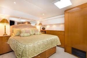 65' Viking Enclosed Bridge 2001 Master Stateroom
