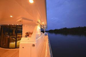 97' Horizon 97 Motoryacht With Raised Pilothouse And Skylounge 2011 Starboard Aft Quarter