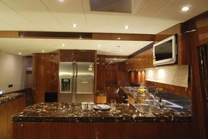 97' Horizon 97 Motoryacht With Raised Pilothouse And Skylounge 2011 Full Size Galley