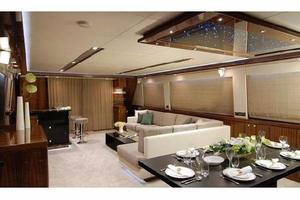 97' Horizon 97 Motoryacht With Raised Pilothouse And 2011 Salon