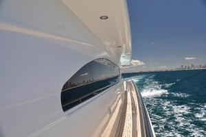 97' Horizon 97 Motoryacht with Raised Pilothouse and Skylounge 2011 Cruisin the Goldy