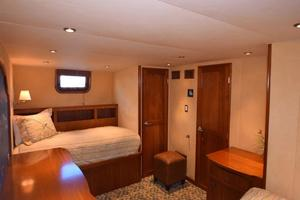 75' Burger Raised Pilothouse 1958 TwinAftGuestCabinClosetView