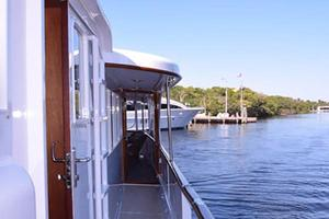 75' Burger Raised Pilothouse 1958 Starboard View to Aft Deck