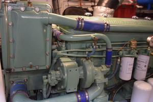 75' Burger Raised Pilothouse 1958 Detail Engine Room
