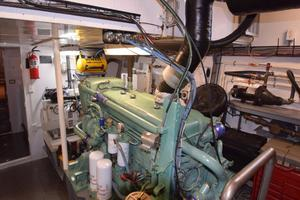 75' Burger Raised Pilothouse 1958 Starboard Engine