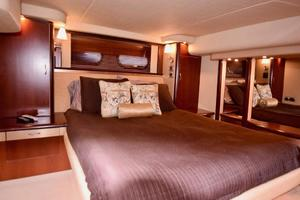 Sea-Ray-550-Sedan-Bridge-2005-March-Madness-Pompano-Beach-Florida-United-States-Owners-Suite-to-Starboard-277855
