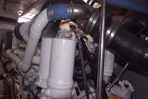 Sea-Ray-550-Sedan-Bridge-2005-March-Madness-Pompano-Beach-Florida-United-States-Engine-Room-277901
