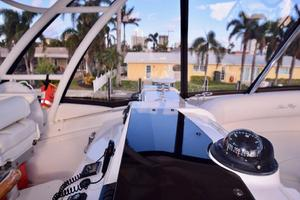 Sea-Ray-550-Sedan-Bridge-2005-March-Madness-Pompano-Beach-Florida-United-States-Flybridge-to-Starboard-277882