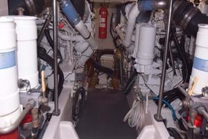 Sea-Ray-550-Sedan-Bridge-2005-March-Madness-Pompano-Beach-Florida-United-States-Engine-Room-277918