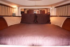 Sea-Ray-550-Sedan-Bridge-2005-March-Madness-Pompano-Beach-Florida-United-States-VIP-V-Berth-277860