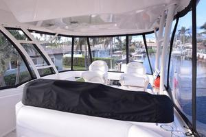 Sea-Ray-550-Sedan-Bridge-2005-March-Madness-Pompano-Beach-Florida-United-States-Flybridge-to-Helm-277881