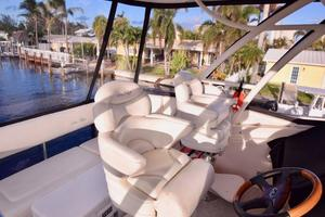 Sea-Ray-550-Sedan-Bridge-2005-March-Madness-Pompano-Beach-Florida-United-States-Flybridge-Captains-Chair-277893