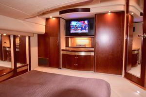 Sea-Ray-550-Sedan-Bridge-2005-March-Madness-Pompano-Beach-Florida-United-States-Owners-Suite-with-Closets-and-TV-277856