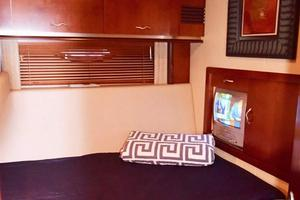 Sea-Ray-550-Sedan-Bridge-2005-March-Madness-Pompano-Beach-Florida-United-States-Twin-Berth-Lower-Bunk-277865