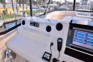 Sea-Ray-550-Sedan-Bridge-2005-March-Madness-Pompano-Beach-Florida-United-States-Flybridge-Helm-to-Port-277889