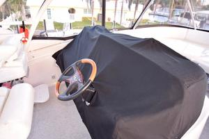 Sea-Ray-550-Sedan-Bridge-2005-March-Madness-Pompano-Beach-Florida-United-States-Flybridge-Helm-Cover-277898
