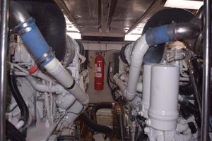 Sea-Ray-550-Sedan-Bridge-2005-March-Madness-Pompano-Beach-Florida-United-States-Engine-Room-277899