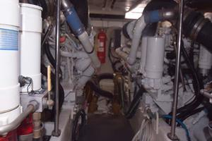 Sea-Ray-550-Sedan-Bridge-2005-March-Madness-Pompano-Beach-Florida-United-States-Engine-Room-277919