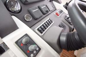 48' Azimut 48 ATLANTIS 2013 Helm Switches