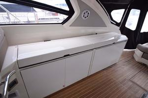 48' Azimut 48 ATLANTIS 2013 Starboard Side Wet Bar with Cover