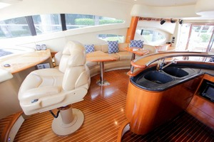 62' Azimut 62 Flybridge 2007 Lower Helm Seat