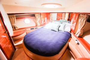 62' Azimut 62 Flybridge 2007 VIP Guest Stateroom With Private Bath