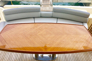 62' Azimut 62 Flybridge 2007  Aft Table