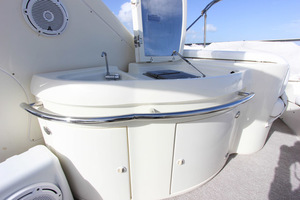 62' Azimut 62 Flybridge 2007  Wet Bar