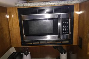 photo of Carver-466-Motor-Yacht-2001-Rollin-in-the-Tides-Pensacola-Florida-United-States-Galley-Microwave-377488