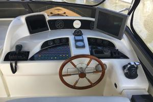 70' Azimut Sea Jet 2000 Bridge Helm
