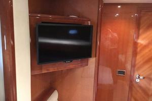 70' Azimut Sea Jet 2000 Guest Port TV