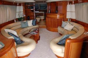 70' Azimut Sea Jet 2000 Salon Forward